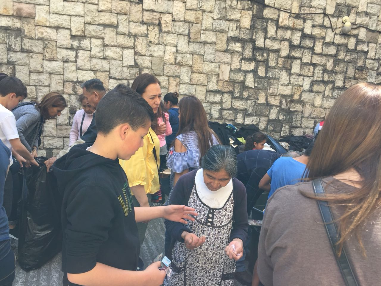 Los alumnos del Talmud Torá con su Mitzvá Project ayudan Lev Le Lev y a la OSE