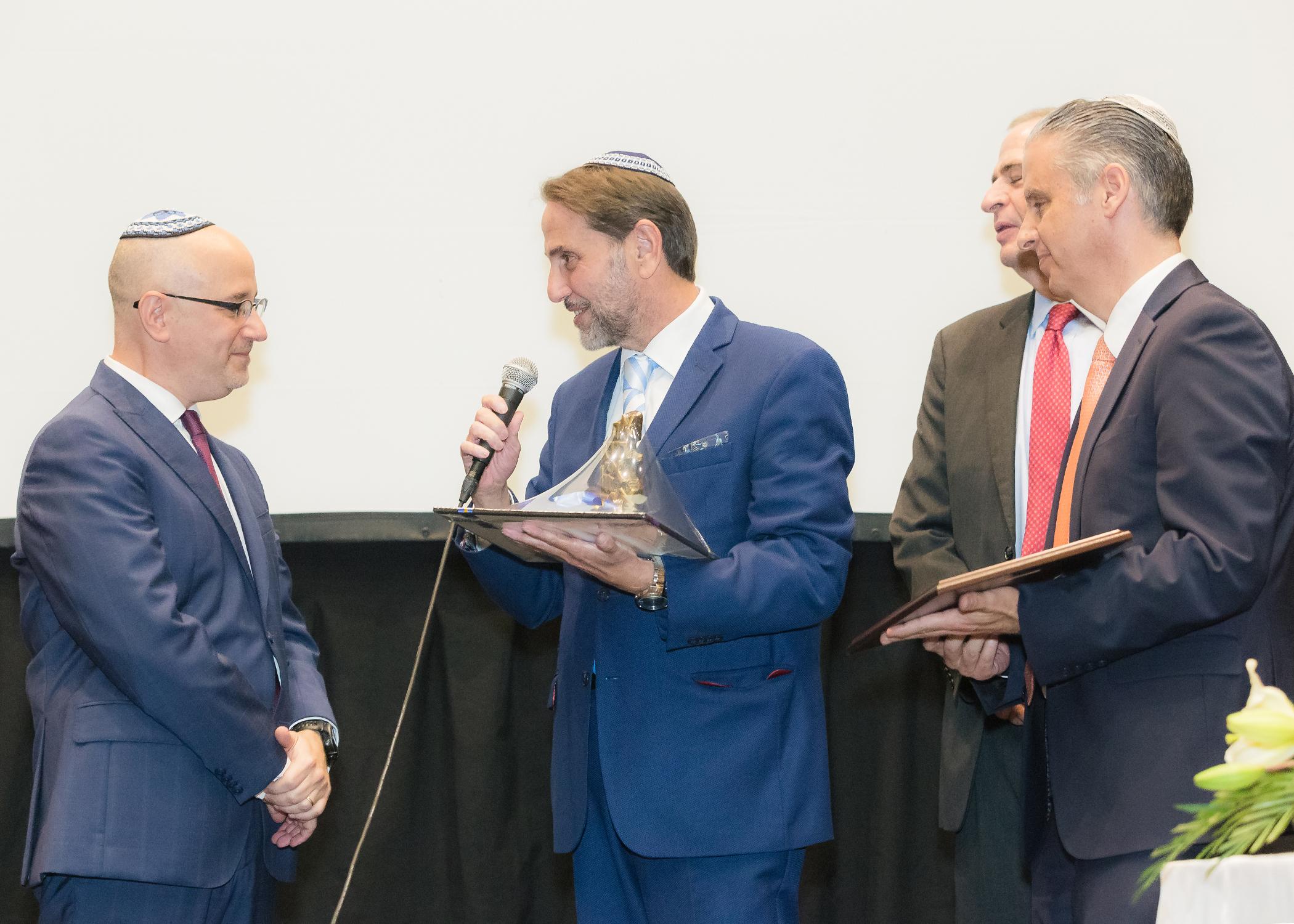 "Entregan ""Premio Herzl 2018"" al Jazán Ari Litvak"