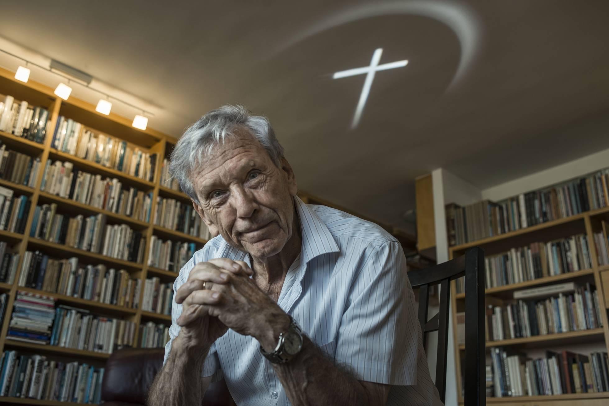 Muere a los 79 años el escritor israelí Amos Oz