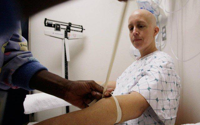 Científicos israelíes prometen lanzar la cura para el cáncer el próximo año